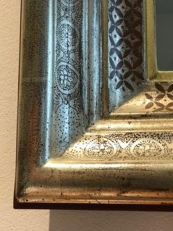 Weissgoldrahmen mit Punsiertem ornament Arabisch